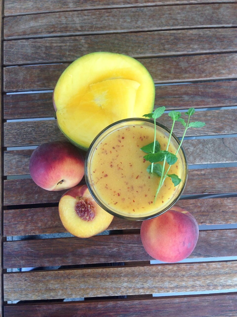 mango-banana-honey-smoothie